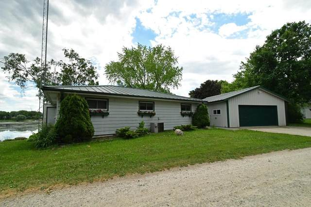 N2843 S Kearley Rd, Green Lake, WI 53946 (#375510) :: Nicole Charles & Associates, Inc.