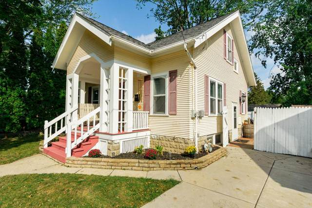 706 Oconnell St, Watertown, WI 53094 (#377403) :: RE/MAX Shine