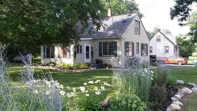 1176 N 4th St, Watertown, WI 53098 (#377424) :: RE/MAX Shine