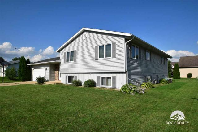 916 Welch St, Belleville, WI 53508 (#1810101) :: Nicole Charles & Associates, Inc.