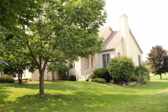1820 Chapin Ct, Stoughton, WI 53589 (#1812108) :: Baker Realty Group, Inc.