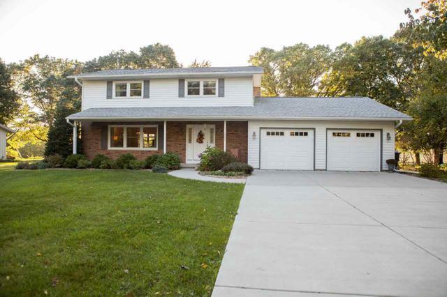 7057 South Hill Rd, Windsor, WI 53532 (#1812420) :: Nicole Charles & Associates, Inc.