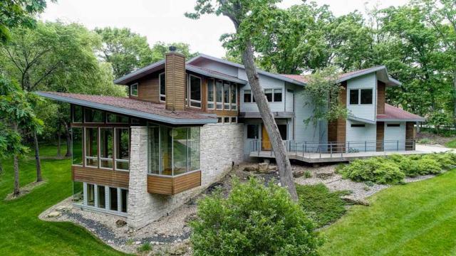 3359 Timber Ln, Middleton, WI 53593 (#1820537) :: Nicole Charles & Associates, Inc.