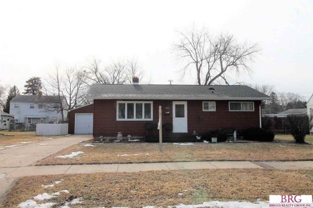 2015 Peterson Ave, Janesville, WI 53548 (#1821444) :: Nicole Charles & Associates, Inc.