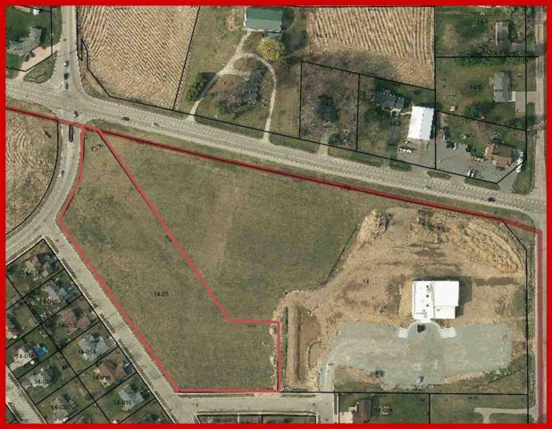 L1 Crestview Ln, Lake Mills, WI 53551 (#1821579) :: Nicole Charles & Associates, Inc.