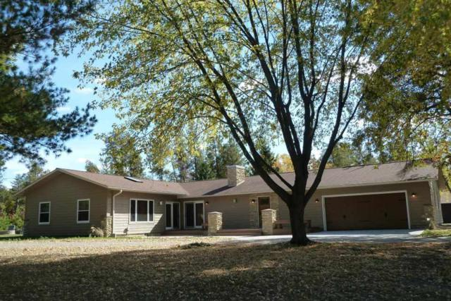 W5691 Cherokee Ln, Germantown, WI 53950 (#1824553) :: Nicole Charles & Associates, Inc.