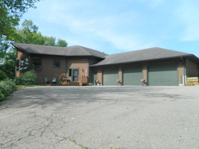 3305 Sugar Valley Rd, Cross Plains, WI 53572 (#1832825) :: HomeTeam4u