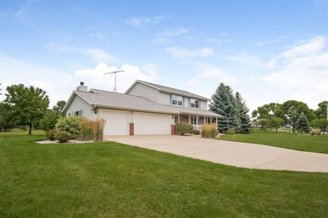 671 Mary Lee Dr, Fond Du Lac, WI 54935 (#1839778) :: HomeTeam4u