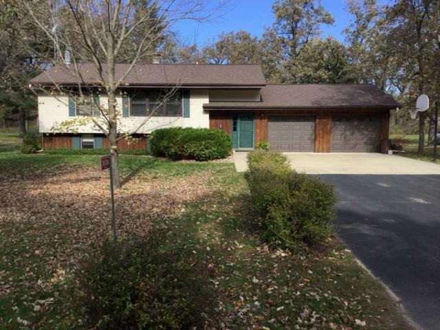 3633A 11th Ln, Dell Prairie, WI 53965 (#1841857) :: Nicole Charles & Associates, Inc.
