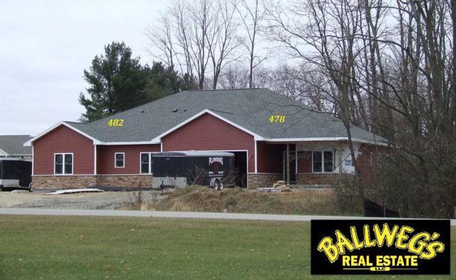 482 Meadow Lark Ln E, Green Lake, WI 54941 (#1843950) :: HomeTeam4u