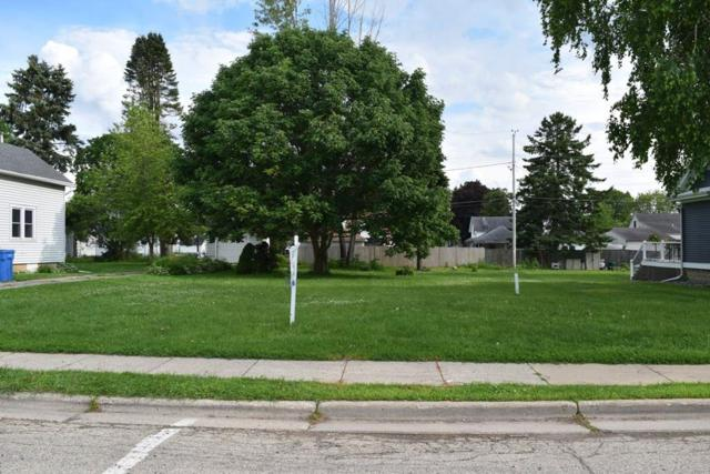 218 Main St, Arlington, WI 53911 (#1847619) :: Nicole Charles & Associates, Inc.