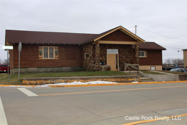 102 Hickory St, Mauston, WI 53948 (#1849381) :: HomeTeam4u