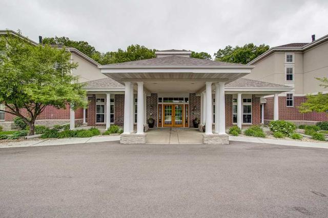 8510 Greenway Blvd, Middleton, WI 53562 (#1858922) :: Nicole Charles & Associates, Inc.