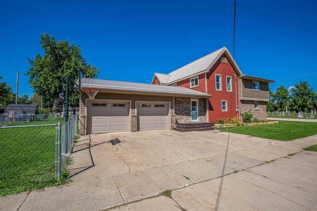 325 E Lake Ave, Monticello, WI 53570 (#1866730) :: HomeTeam4u