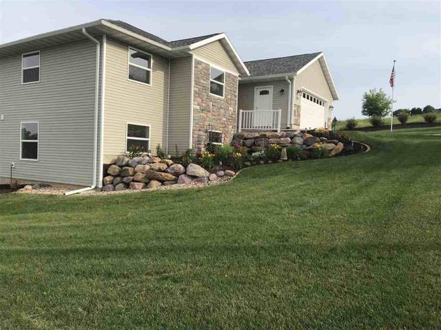 1721 Pleasant View Dr, Baraboo, WI 53913 (#1868381) :: HomeTeam4u