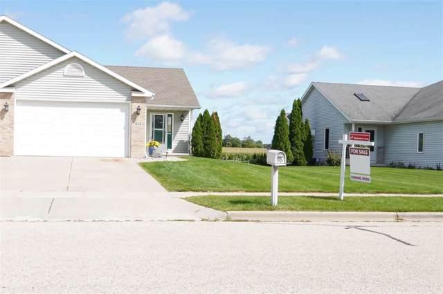915 New Hampton Dr, Oregon, WI 53575 (#1868804) :: HomeTeam4u