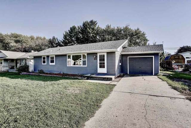908 26th St, Monroe, WI 53566 (#1869305) :: HomeTeam4u
