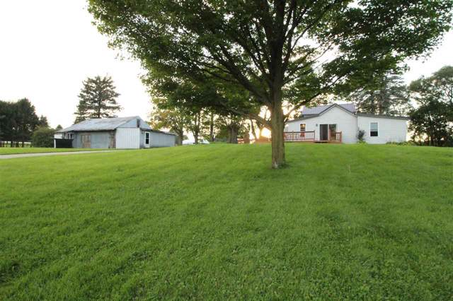 N1938 Six Corners Rd, Walworth, WI 53184 (#1869742) :: HomeTeam4u