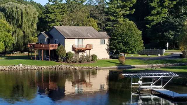 735 Canyon Rd, Lake Delton, WI 53965 (#1870159) :: HomeTeam4u