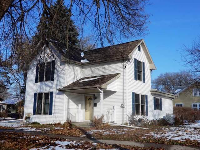 908 Prairie Ave, Janesville, WI 53545 (#1872658) :: Nicole Charles & Associates, Inc.