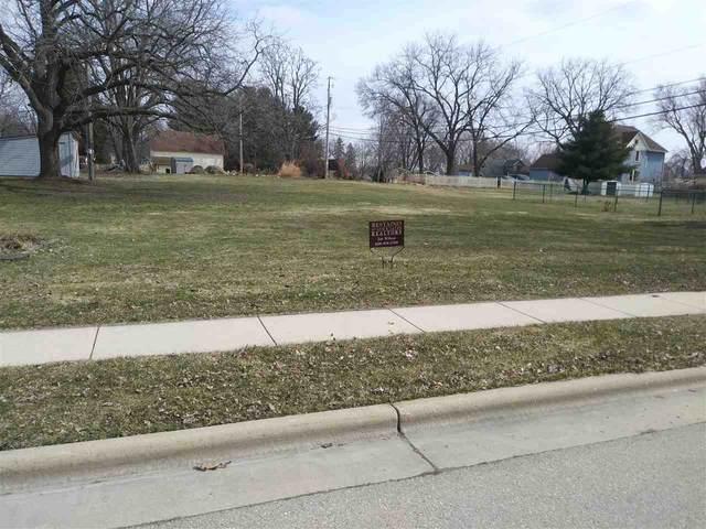 104 S Prairie Ave, Deerfield, WI 53531 (#1880240) :: Nicole Charles & Associates, Inc.