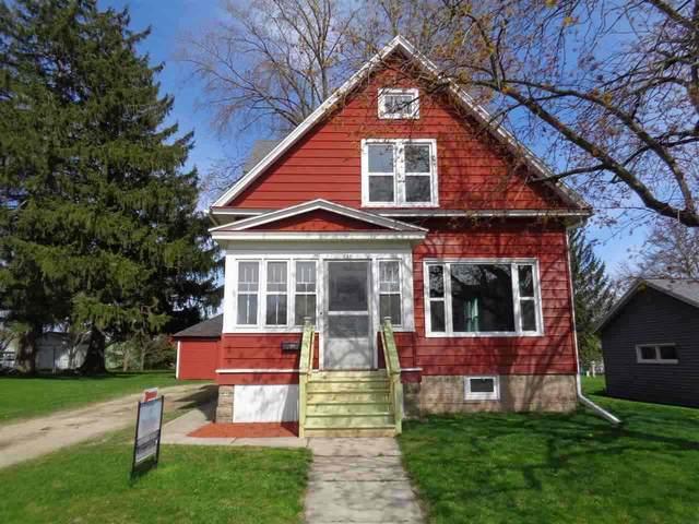 144 S Mill St, Juneau, WI 53039 (#1883286) :: HomeTeam4u
