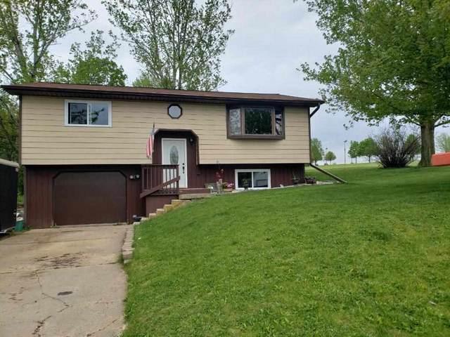 404 Elliott St, Dodgeville, WI 53533 (#1883624) :: HomeTeam4u