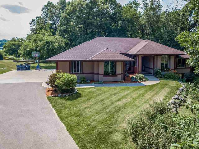 5401 N Old Orchard Dr, Janesville, WI 53545 (#1887662) :: Nicole Charles & Associates, Inc.