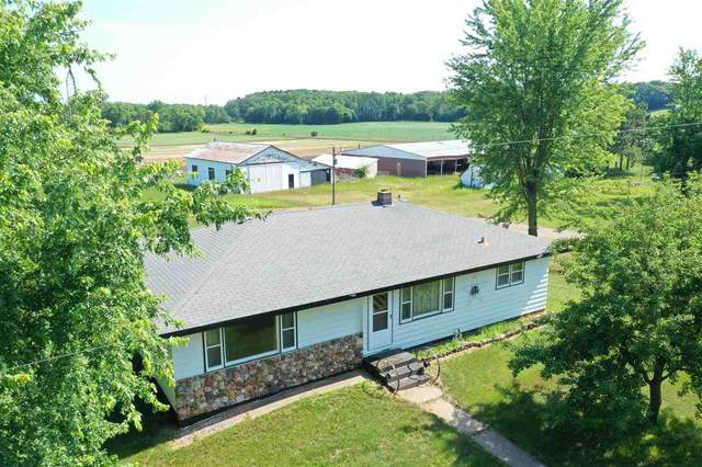 W5472 Emerson Rd, Lemonweir, WI 53948 (#1888056) :: HomeTeam4u