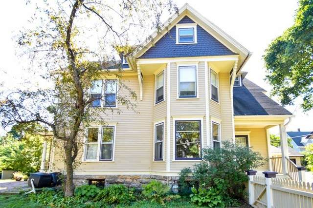 1010 Grant St, Madison, WI 53711 (#1888356) :: Nicole Charles & Associates, Inc.