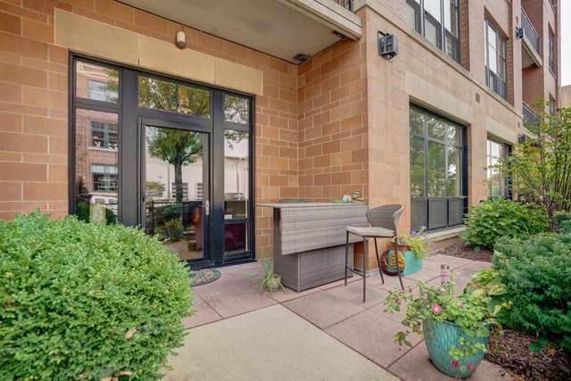 615 W Main St, Madison, WI 53703 (#1893270) :: HomeTeam4u