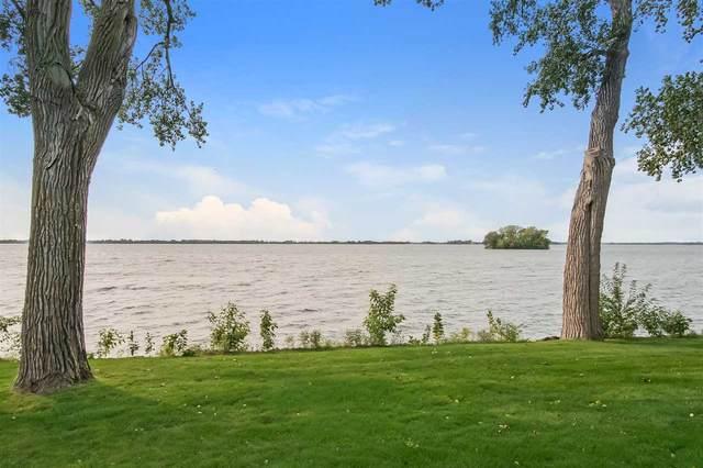 1216 Lake Shore Dr, Beaver Dam, WI 53916 (#1893615) :: HomeTeam4u