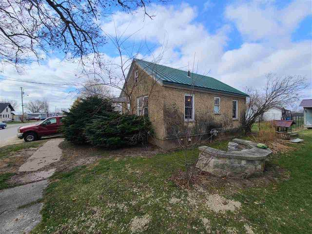 9459 S Mckinley St, South Lancaster, WI 53813 (#1905352) :: HomeTeam4u