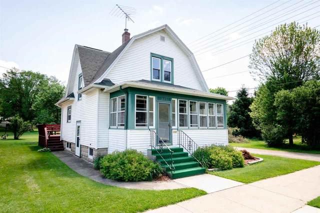 326 N Webb Ave, Reedsburg, WI 53959 (#1910637) :: HomeTeam4u