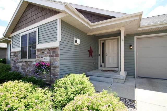2007 Fieldstone Blvd, Prairie Du Sac, WI 53578 (#1910847) :: HomeTeam4u