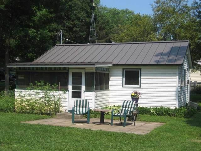 W3622 N Parkway Dr, Princeton, WI 53946 (#1913271) :: Nicole Charles & Associates, Inc.