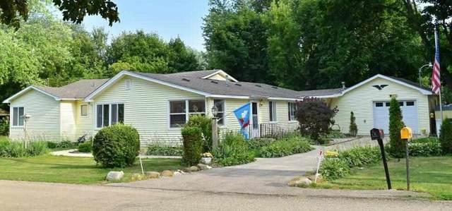 W973 Primrose Rd, Bloomfield, WI 53128 (#1913985) :: HomeTeam4u