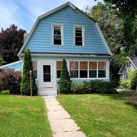 611 Mill St, Green Lake, WI 54941 (#1914017) :: HomeTeam4u