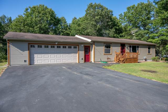 W5564 Overlook Dr, Germantown, WI 53950 (#1917596) :: RE/MAX Shine