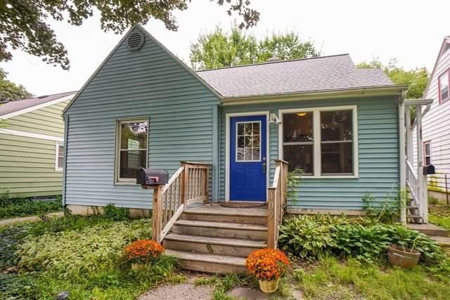 409 Stang St, Madison, WI 53704 (#1917787) :: Nicole Charles & Associates, Inc.
