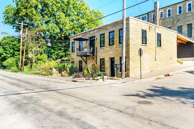 203 Fountain St, Mineral Point, WI 53565 (#1919143) :: RE/MAX Shine