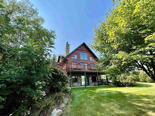 S5702 Devils Lake Pky, Baraboo, WI 53913 (#1919213) :: RE/MAX Shine