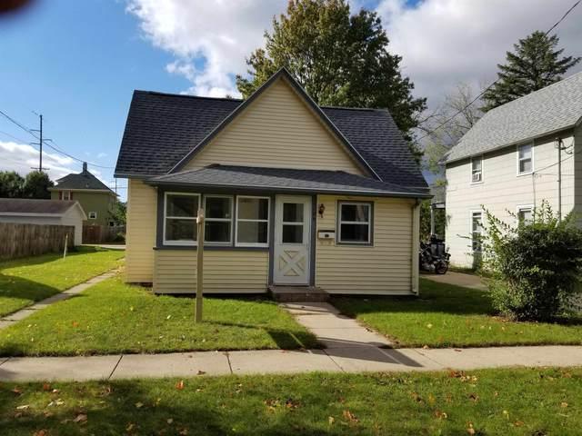 1106 Oak St, Beloit, WI 53511 (#1922433) :: Nicole Charles & Associates, Inc.