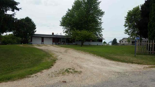 N2287 Frommader Rd, Hebron, WI 53538 (#355611) :: Nicole Charles & Associates, Inc.