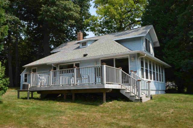 607D Illinois Ave, Green Lake, WI 54941 (#355969) :: Nicole Charles & Associates, Inc.