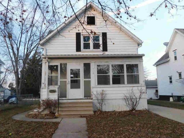 910 Western Ave, Watertown, WI 53094 (#357318) :: Nicole Charles & Associates, Inc.