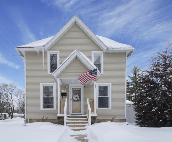 117 S Washington St, Lake Mills, WI 53551 (#373323) :: HomeTeam4u