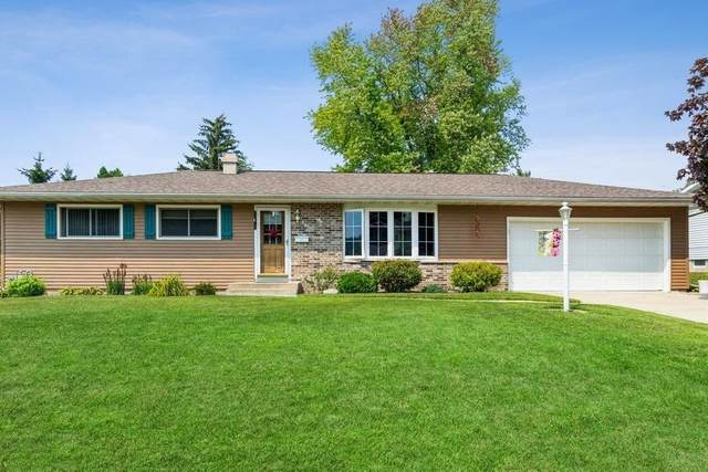 900 Meadow Ln, Mayville, WI 53050 (#376604) :: RE/MAX Shine
