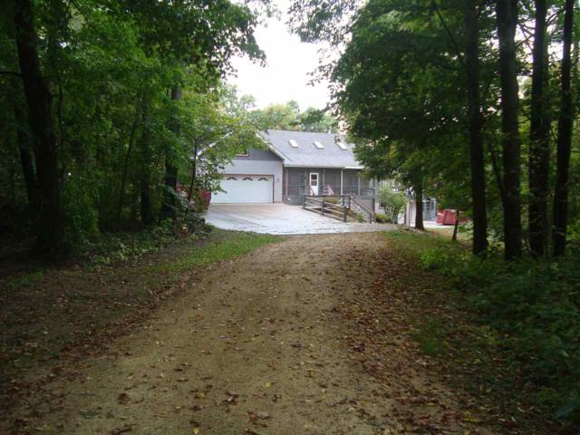 8602 Whispering Bluff Ln, Cassville, WI 53806 (#1815210) :: Nicole Charles & Associates, Inc.