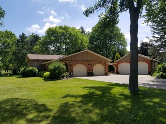 6628 S Oak Ln, Windsor, WI 53598 (#1824533) :: Nicole Charles & Associates, Inc.
